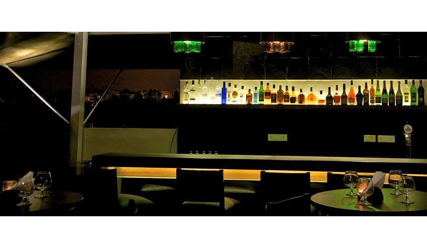 Kamat-and-Rozario-Architecture-Esko-Lounge-Design-11