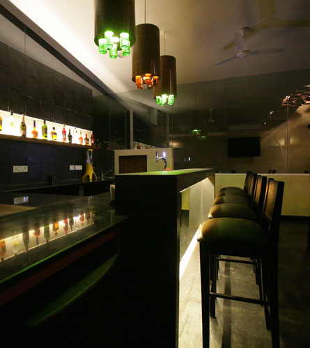 Kamat-and-Rozario-Architecture-Esko-Lounge-Design-4