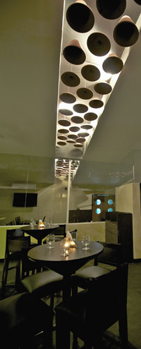 Kamat-and-Rozario-Architecture-Esko-Lounge-Design-9