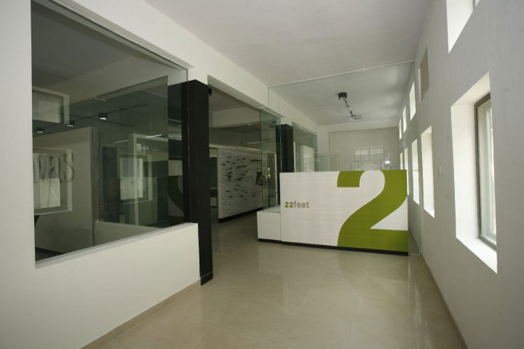 Kamat-and-Rozario-Architecture-22-Feet-Office-Design-3