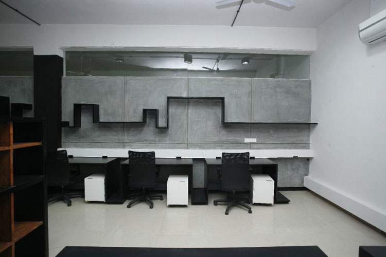 Kamat-and-Rozario-Architecture-22-Feet-Office-Design-4