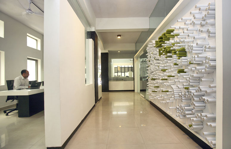 Kamat-and-Rozario-Architecture-22-Feet-Office-Design-6