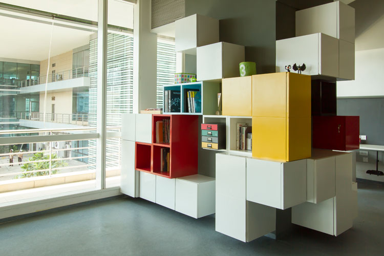 Kamat-and-Rozario-Architecture-8-bit-Office-Design-10