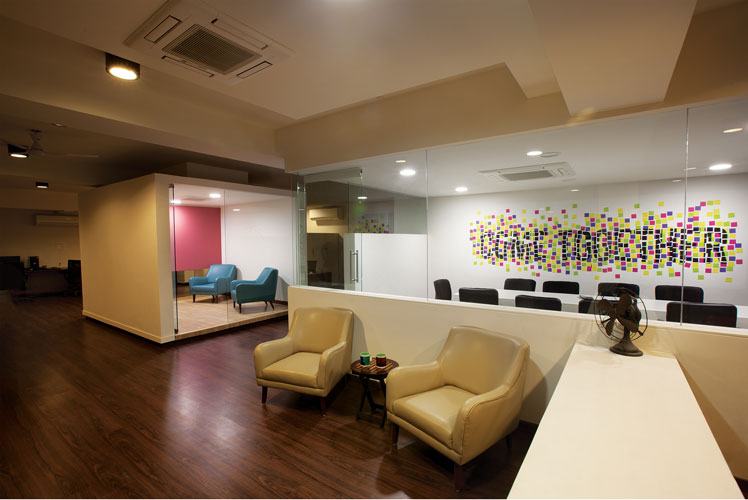 Kamat-and-Rozario-Architecture-White-Canvas-Office-Design-1