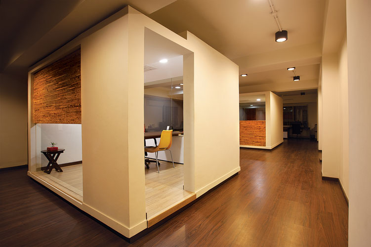 Kamat-and-Rozario-Architecture-White-Canvas-Office-Design-2