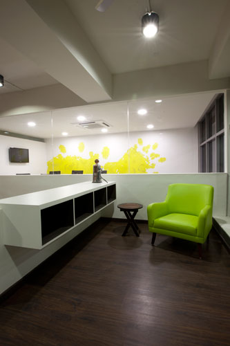 Kamat-and-Rozario-Architecture-White-Canvas-Office-Design-7