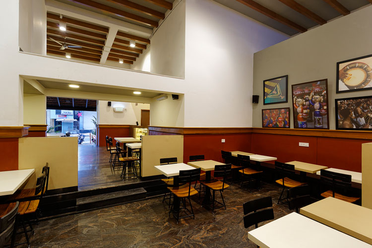 Kamat-and-Rozario-Architecture-Upsouth-Restaurant-Design-4