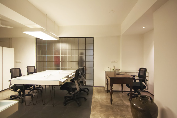 Kamat-and-Rozario-Architecture-Stirred-Creative-Office-Design-5