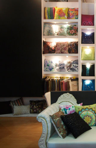 Kamat-and-Rozario-Architecture-B-Silks-Exhibition-Stall-Design-1