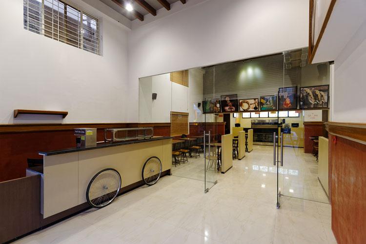 Kamat-and-Rozario-Architecture-Upsouth-Restaurant-Design-2