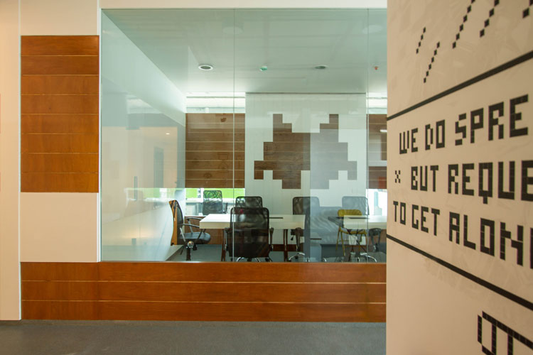 Kamat-and-Rozario-Architecture-8-bit-Office-Design-4