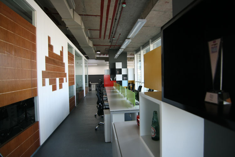 Kamat-and-Rozario-Architecture-8-bit-Office-Design-5
