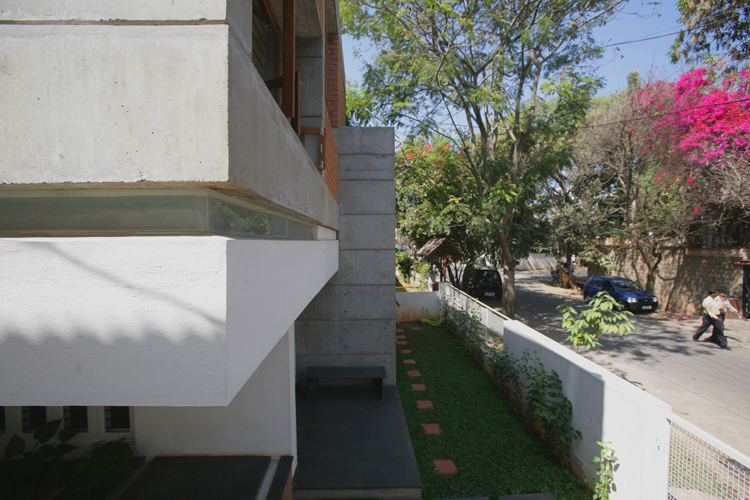 Kamat-and-Rozario-Architecture-Sharma-House-Design-10