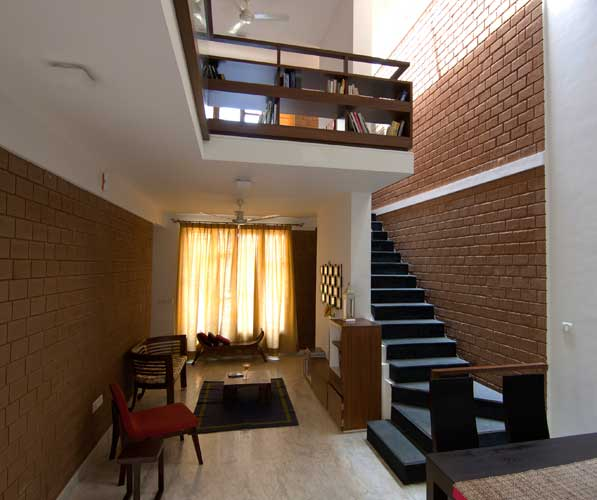 Kamat-and-Rozario-Architecture-Stack-House-Design-4