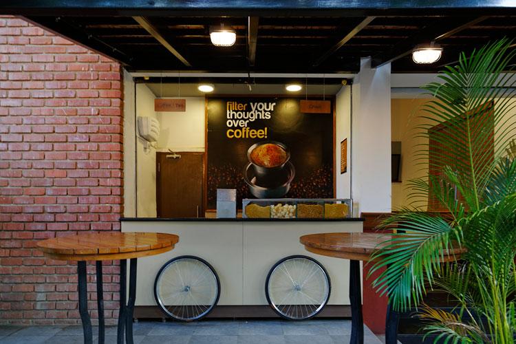 Kamat-and-Rozario-Architecture-Upsouth-Restaurant-Design-3